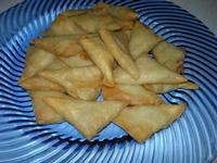 triangolini di pasta filo - Parco Elimi - 26 giugno 2010  - Segesta (2784 clic)