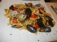 Busiate del Golfo, con cozze, vongole, gamberetti e pomodorini - La Cambusa - 2 novembre 2011  - Castellammare del golfo (765 clic)