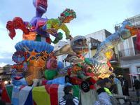 Carnevale - sfilata carri allegorici - 8 marzo 2011  - Cinisi (1718 clic)