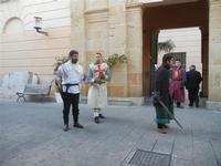 Medioevo all'Antico Mercato di Porta Garibaldi - costumi d'epoca - torneo di spade tra tre cavalieri - 20 novembre 2011  - Marsala (730 clic)