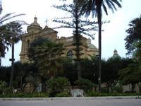 giardino pubblico e Cattedrale - 25 aprile 2011  - Mazara del vallo (778 clic)