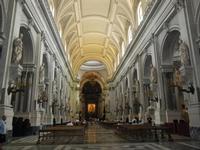 la Cattedrale Metropolitana della Santa Vergine Maria Assunta - interno: navata centrale - 8 agosto