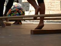 Spettacolo multietnico UNA SOLA FAMIGLIA UMANA nel cortile del Collegio dei Gesuiti - 19 giugno 2011  - Sciacca (573 clic)