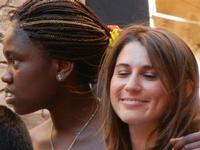 Spettacolo multietnico UNA SOLA FAMIGLIA UMANA nel cortile del Collegio dei Gesuiti - 19 giugno 2011  - Sciacca (1101 clic)