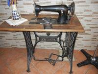 vecchia macchina da cucire - 24 luglio 2011  - Cornino (1147 clic)