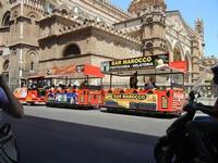 trenino per giro turistico e la Cattedrale Metropolitana della Santa Vergine Maria Assunta - 8 agost