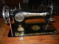 antica macchina da cucire SINGER, ancora funzionante - 4 dicembre 2011  - Bagheria (913 clic)