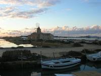 Riserva Naturale Orientata Isole dello Stagnone - imbarcadero storico per l'Isola di Mozia - Saline Infersa e mulino a vento - 23 gennaio 2011  - Marsala (1020 clic)