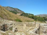La Porta di Valle ed il Tempio - 1 agosto 2010  - Segesta (3961 clic)