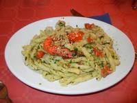 busiate Scialannaro, con pesto alla genovese, gamberetti, mandorle tostate e pomodorini - Pizza e  Cassatelle - 24 luglio 2011  - Cornino (1350 clic)
