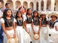 Spettacolo multietnico UNA SOLA FAMIGLIA UMANA nel cortile del Collegio dei Gesuiti - 19 giugno 2011  - Sciacca (864 clic)