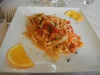 tagliolini con cernia, pomodorini e mandorle - Monsù - 6 gennaio 2012  - Castellammare del golfo (724 clic)