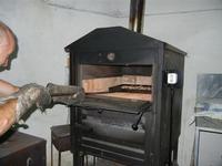 si inforna lo sfincione - 24 agosto 2011  - Alcamo (1319 clic)