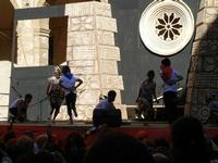 Spettacolo multietnico UNA SOLA FAMIGLIA UMANA nel cortile del Collegio dei Gesuiti - 19 giugno 2011  - Sciacca (2343 clic)