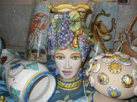 Medioevo all'Antico Mercato di Porta Garibaldi - mercatini medievali - ceramiche - 20 novembre 2011  - Marsala (722 clic)