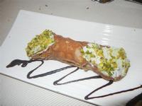cannolo con crema di ricotta e pistacchio - Monsù - 6 gennaio 2012  - Castellammare del golfo (697 clic)