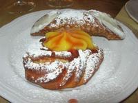 dolce: zeppola alla crema d'arancia e marmellata di ciliege - cannolo - Due Palme - 8 dicembre 2010  - Santa ninfa (1610 clic)