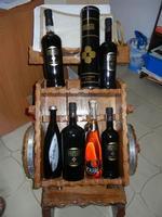 liquori locali - esposizione bottiglie - 31 agosto 2011  - Salemi (1294 clic)