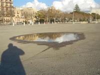 riflessi in una pozzanghera - Lungomare Mazzini - 6 novembre 2011  - Mazara del vallo (620 clic)