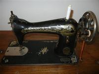 antica macchina da cucire Singer a casa di Miriam - 22 maggio 2011  - Bagheria (1309 clic)