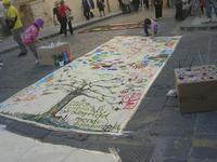 laboratorio di pittura in strada - Infiorata 2010 - 16 maggio 2010  - Noto (3313 clic)