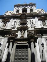 Chiesa di San Matteo al Cassaro, sul Corso Vittorio Emanuele. La Facciata è tipicamente barocca e iv