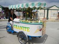 il carretto dei gelati - 2 giugno 2011  - Selinunte (1688 clic)