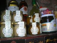 la Bottega nella Roccia - vini, miele e marmellata - 21 marzo 2010   - Caccamo (6031 clic)