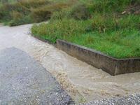 lungo la strada, dopo abbondanti piogge - 27 dicembre 2009  - Buseto palizzolo (3215 clic)
