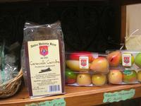 caramelle carruba e frutta martorana - 5 aprile 2010   - Erice (5001 clic)