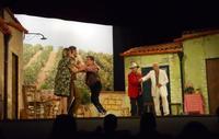Teatro Cielo D'Alcamo - Piccolo Teatro Alcamo presenta MPRESTAMI A TO MUGGHIERI, commedia brillante in due atti di Nino Mignemi - 12 dicembre 2009  - Alcamo (2305 clic)