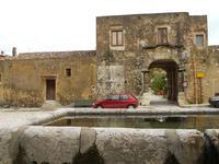 dalla fontana della piazza il Baglio Isonzo - 17 gennaio 2010   - Scopello (2544 clic)