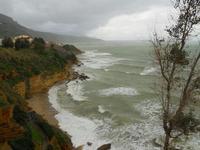 panorama dalla periferia est della città - mare in tempesta - 21 gennaio 2010  - Castellammare del golfo (1566 clic)
