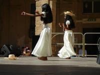 Spettacolo multietnico UNA SOLA FAMIGLIA UMANA nel cortile del Collegio dei Gesuiti - 19 giugno 2011  - Sciacca (616 clic)