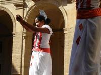 Spettacolo multietnico UNA SOLA FAMIGLIA UMANA nel cortile del Collegio dei Gesuiti - 19 giugno 2011  - Sciacca (621 clic)