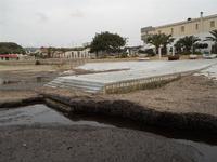 il porticciolo invaso dalle alghe - 17 gennaio 2010   - Cornino (1997 clic)