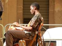 Spettacolo multietnico UNA SOLA FAMIGLIA UMANA nel cortile del Collegio dei Gesuiti - 19 giugno 2011  - Sciacca (882 clic)