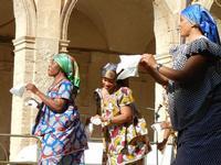 Spettacolo multietnico UNA SOLA FAMIGLIA UMANA nel cortile del Collegio dei Gesuiti - 19 giugno 2011  - Sciacca (626 clic)
