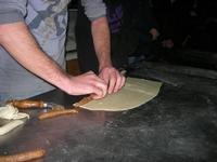 la preparazione delle cudduredde, dolci natalizi - 4 dicembre 2010  - Caltagirone (3137 clic)
