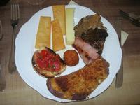 antipasto misto: funghi arrosto, bruschetta, primo sale, melanzana panata, arancinetta, panelle, mortadella arrosto - 1 maggio 2010  - Santa ninfa (6808 clic)