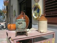 Piazza dei Caduti - ceramiche - artigianato locale - 21 marzo 2010  - Caccamo (3563 clic)