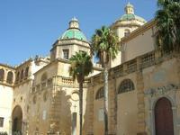 Cattedrale - facciata laterale, cupole e arcata detta tocchetto - 19 settembre 2010  - Mazara del vallo (1315 clic)