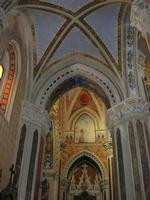 Santuario Maria SS. di Custonaci - interno - 5 settembre 2010  - Custonaci (1352 clic)