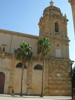 Cattedrale - facciata laterale e campanile - 19 settembre 2010  - Mazara del vallo (1280 clic)