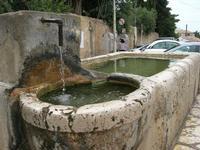 la fontana nella piazzetta - 30 maggio 2010  - Scopello (2174 clic)