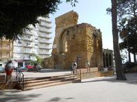Piazza Mokarta - ruderi Castello Normanno e fontana - 19 settembre 2010   - Mazara del vallo (1286 clic)