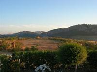 Tempio e panorama da c/da Monte Barbaro Piccolo - 26 giugno 2010  - Segesta (2671 clic)
