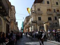 Corteo Barocco - Saluto alla Primavera - sbandieratori - 16 maggio 2010  - Noto (2617 clic)