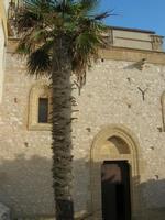 ingresso laterale Santuario Maria SS. di Custonaci - 5 settembre 2010  - Custonaci (1842 clic)