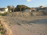 spiaggia - lavori in corso - 14 marzo 2010  - Cornino (2199 clic)